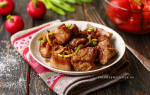Как вкусно пожарить мясо на сковороде кусочками с луком