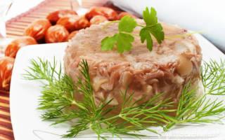 Как приготовить холодец из свиных ножек