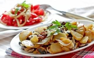 Как вкусно пожарить грибы с картошкой