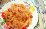 Как вкусно потушить капусту с сосисками