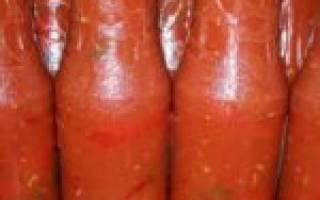 Горький перец на зиму с томатной пастой