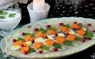 Заливное из судака красивое и вкусное блюдо