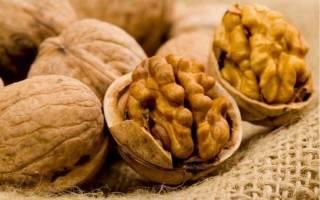 Как колоть орехи грецкие