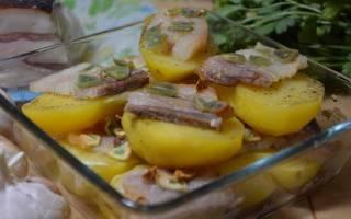 Как запечь картошку в духовке с салом