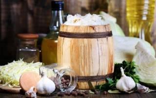Как заквасить капусту в бочке на зиму